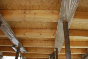 Монтаж деревянного перекрытия - опоры
