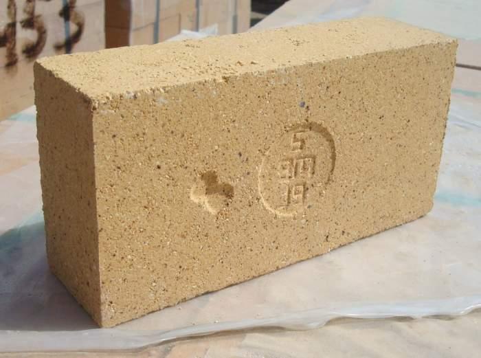 Кирпич из шамотной глины