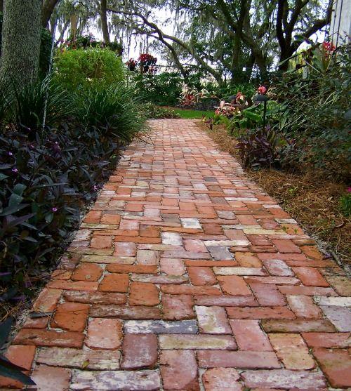 Садовые дорожки из старого кирпича